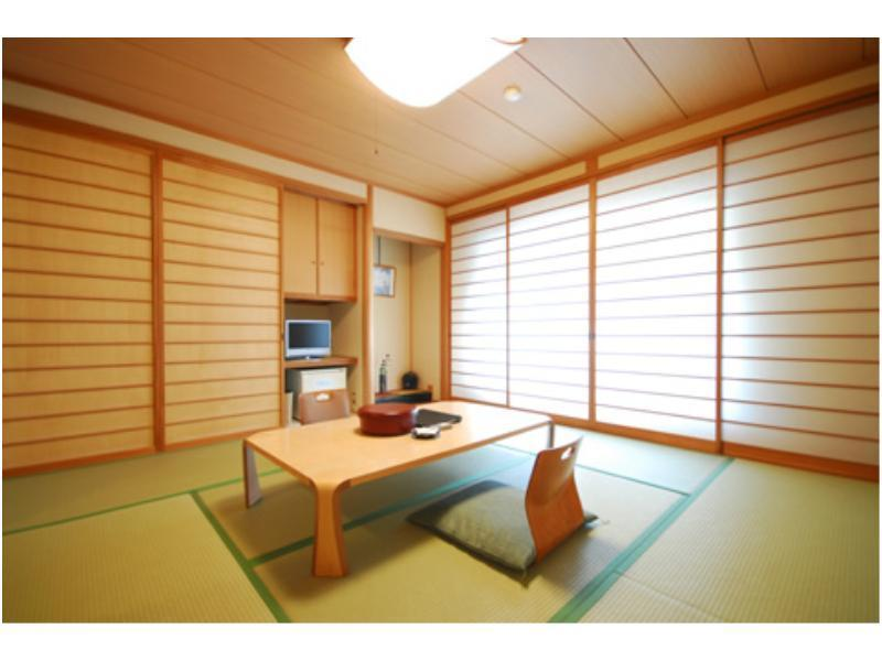 다다미 객실(본관/유닛배스) (Japanese-style Room (Main Building) *Has modular bath)