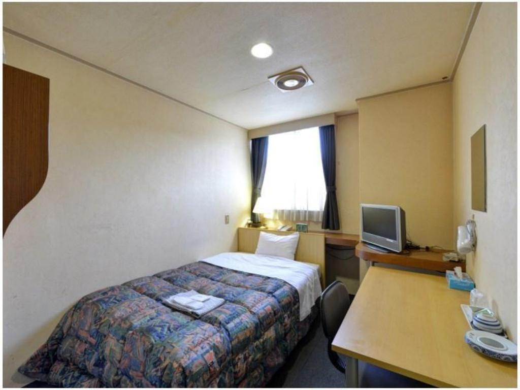 Single Room - Guestroom Fukuyama Royal Hotel