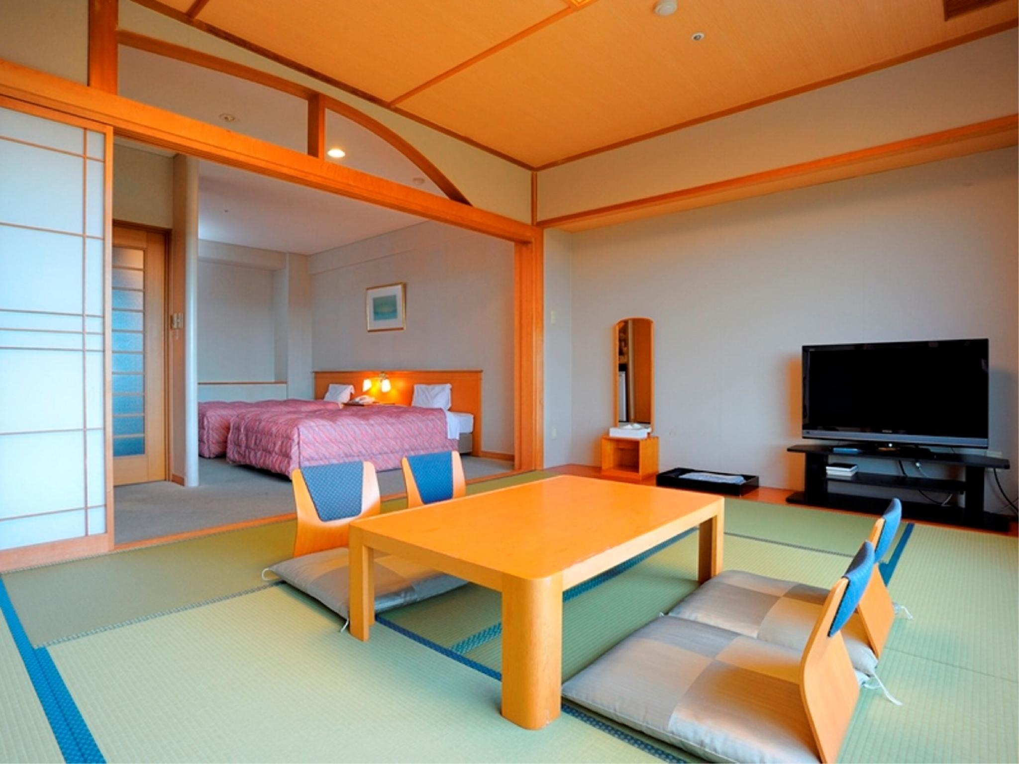 和洋式房 (Japanese/Western-style Room (2 Beds, Top Floor, North Wing))