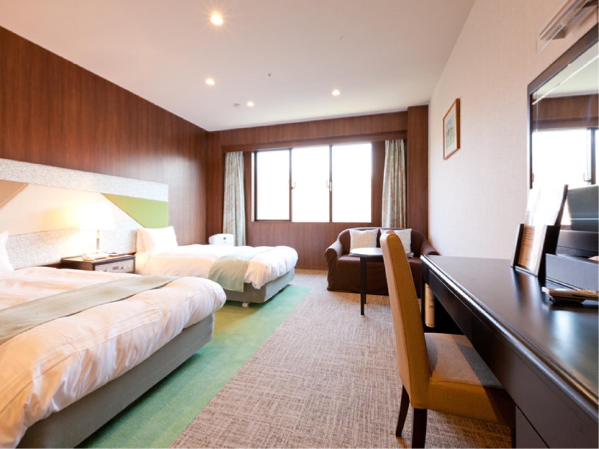 Luxury Twin Room (Mt. Fuji Side)