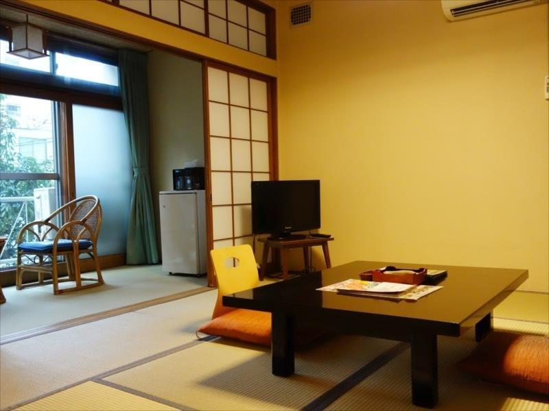 <禁煙室>【旧館・玄水亭】和室8畳又は洋室TW/[SH] (Japanese-style Room or Twin Room (Old Building Gensuitei))