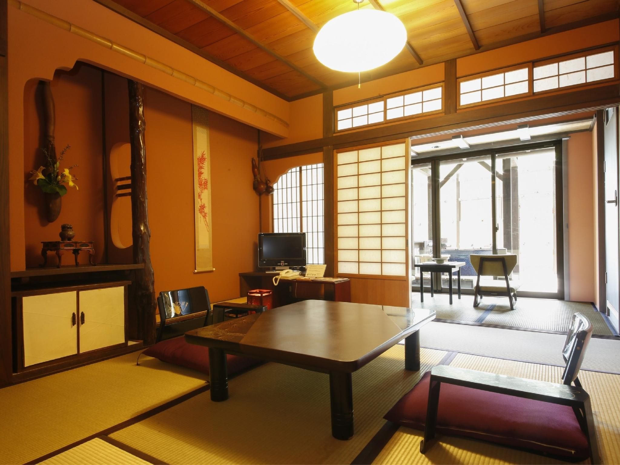 Special Japanese-style Room with Open-air Hot Spring Bath (2 Rooms, Hisago-no-Ma Type)