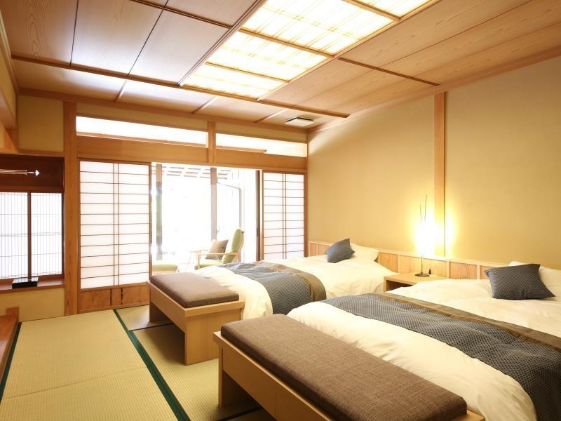 다다미 객실(MOMIJI/6조+트윈베드/온천 노천탕+족욕탕) (Japanese-style Twin Room with Open-air Bath & Foot Bath (tatami Japanese-style Room+Japanese-style Twin, Momiji Type))
