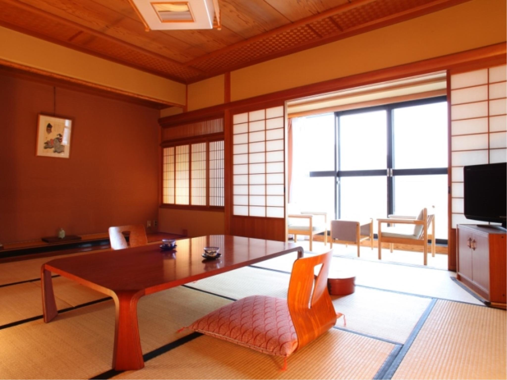 包角和式房+寬走廊 (Japanese-style Corner Room with Hiroen Space)
