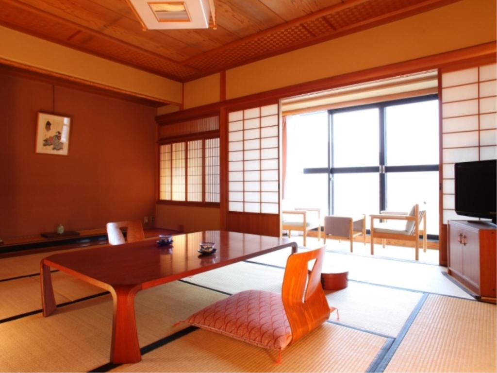 Japanese-style Corner Room with Hiroen Space - Guestroom