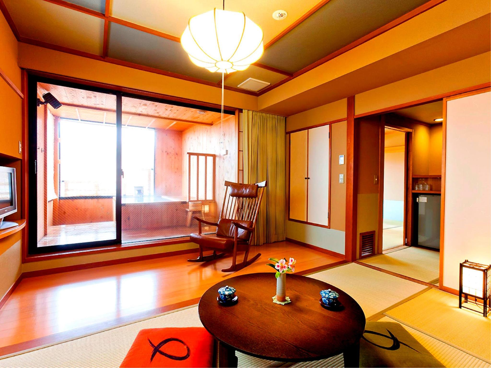 Japanese-style Room with Open-air Bath (Senyu Wing)