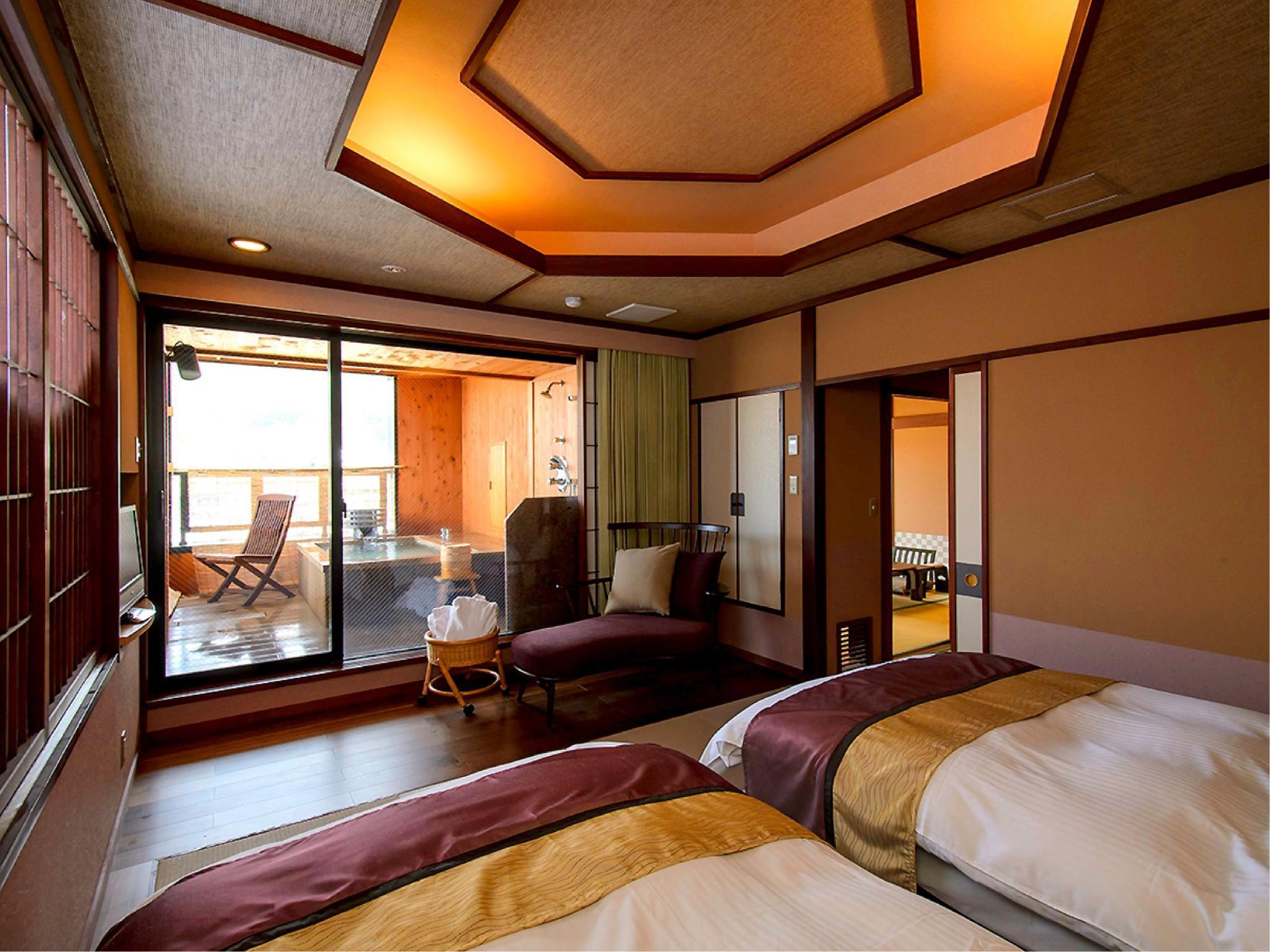 Japanese/Western-style Room with Open-air Bath (Japanese-style Room + Twin Room, Senyu Wing)