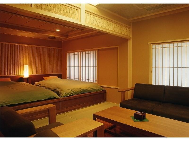 다다미 침대 객실(HAGI/특별실/원천방류식 노천탕) (Special Japanese/Western-style Room with Open-air Hot Spring Bath (Hagi Type))