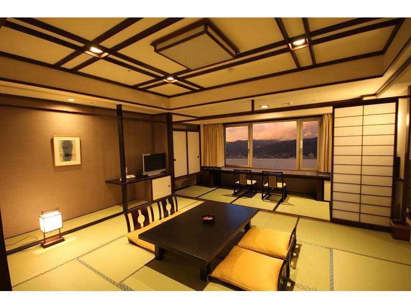 レイクビュー和室|12.5畳+踏込 (Japanese Style Room Main Building)