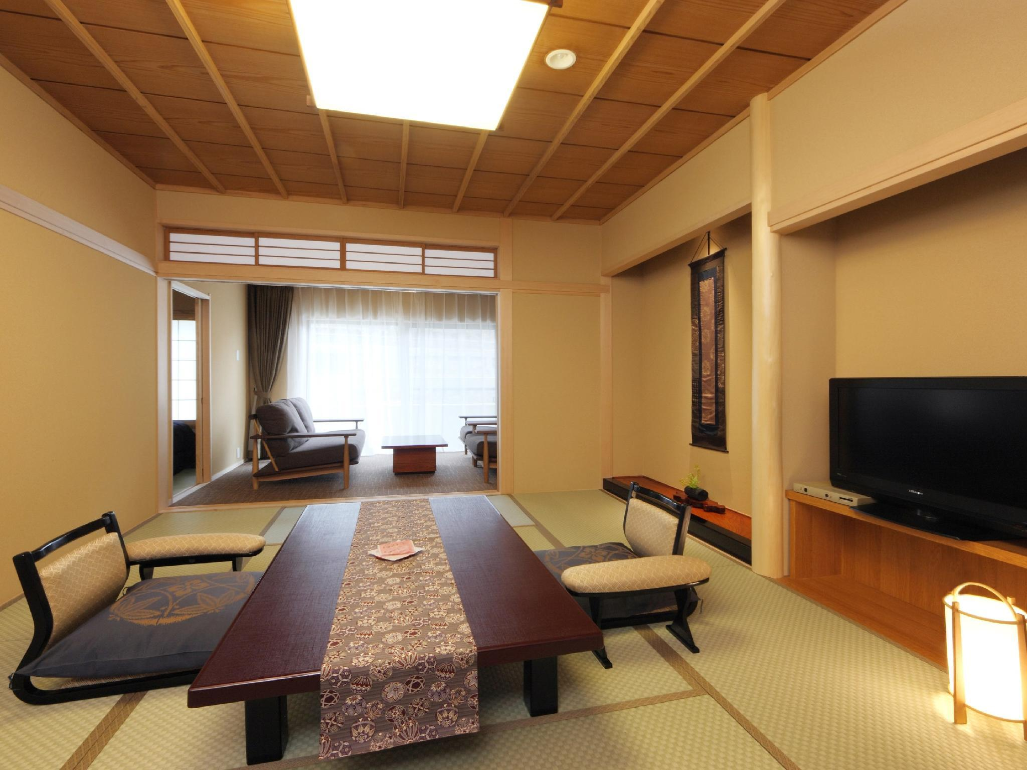 【禁煙】八番館ベッド付和室(R) (Japanese-style Room (2 Japanese Beds, Hachiban Wing))