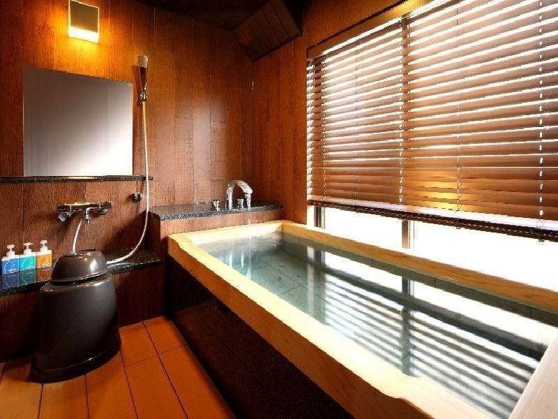 【禁煙】八番館★温泉かけ流し★眺望風呂付和洋室 (Japanese/Western-style Room with Scenic View Bath (Hachiban Wing))