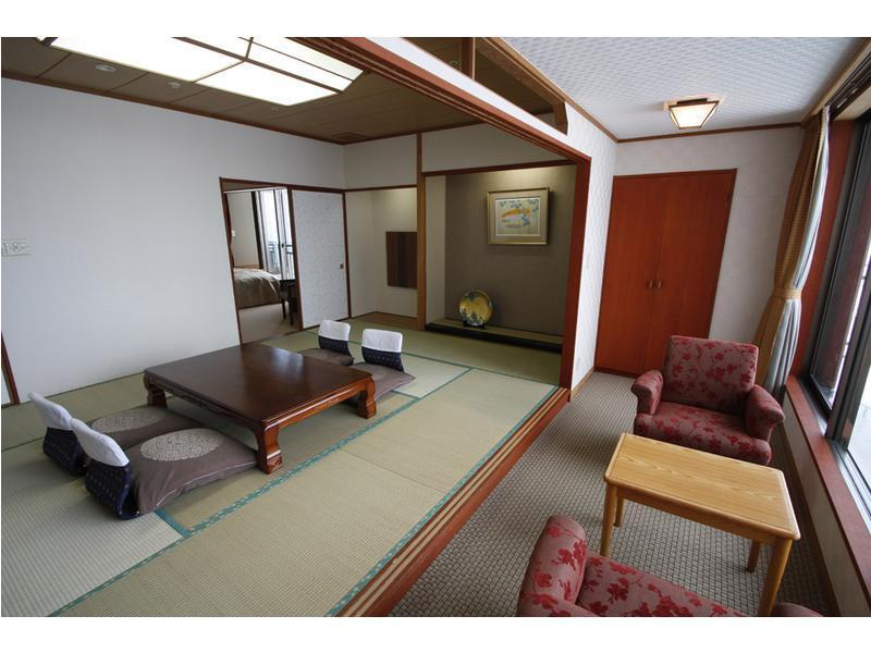 Special Japanese/Western-style Room (2 Beds)