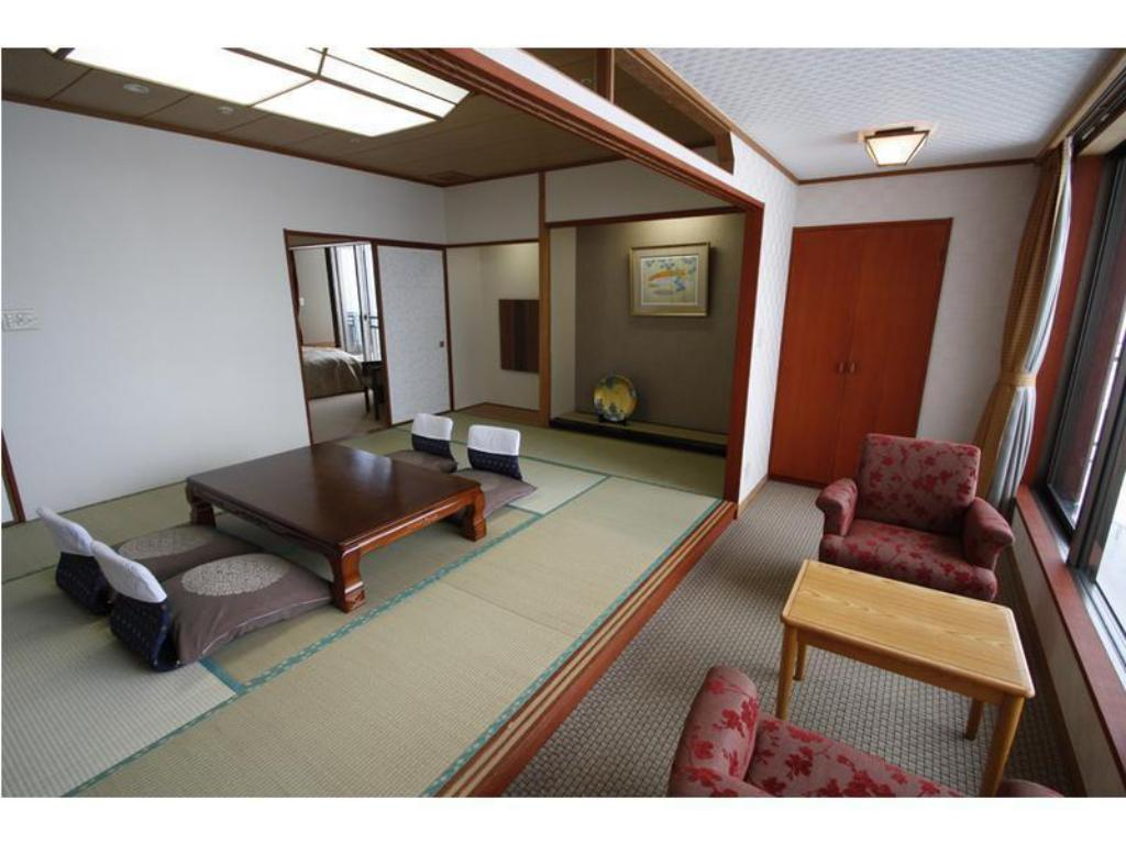 Special Japanese/Western-style Room (2 Beds) - Guestroom Kinugawa Hotel Mikazuki