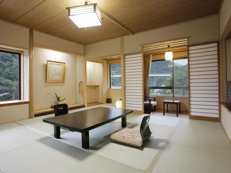 다다미 객실(본관/실내툇마루)  (Japanese-style Room with Hiroen Space (Main Building) )