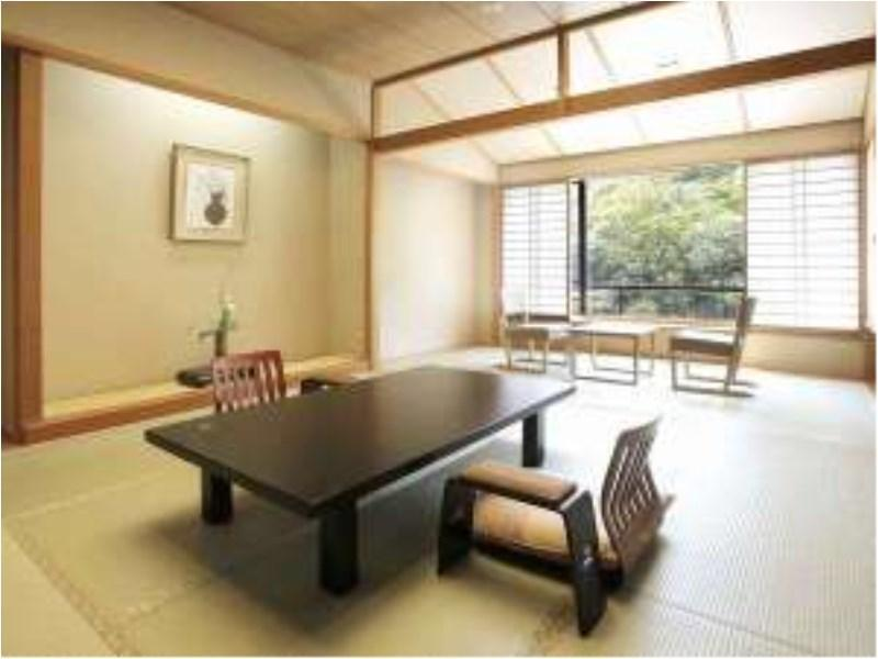 다다미 객실(신관/툇마루) (Japanese-style Room with Hiroen Space (New Building))