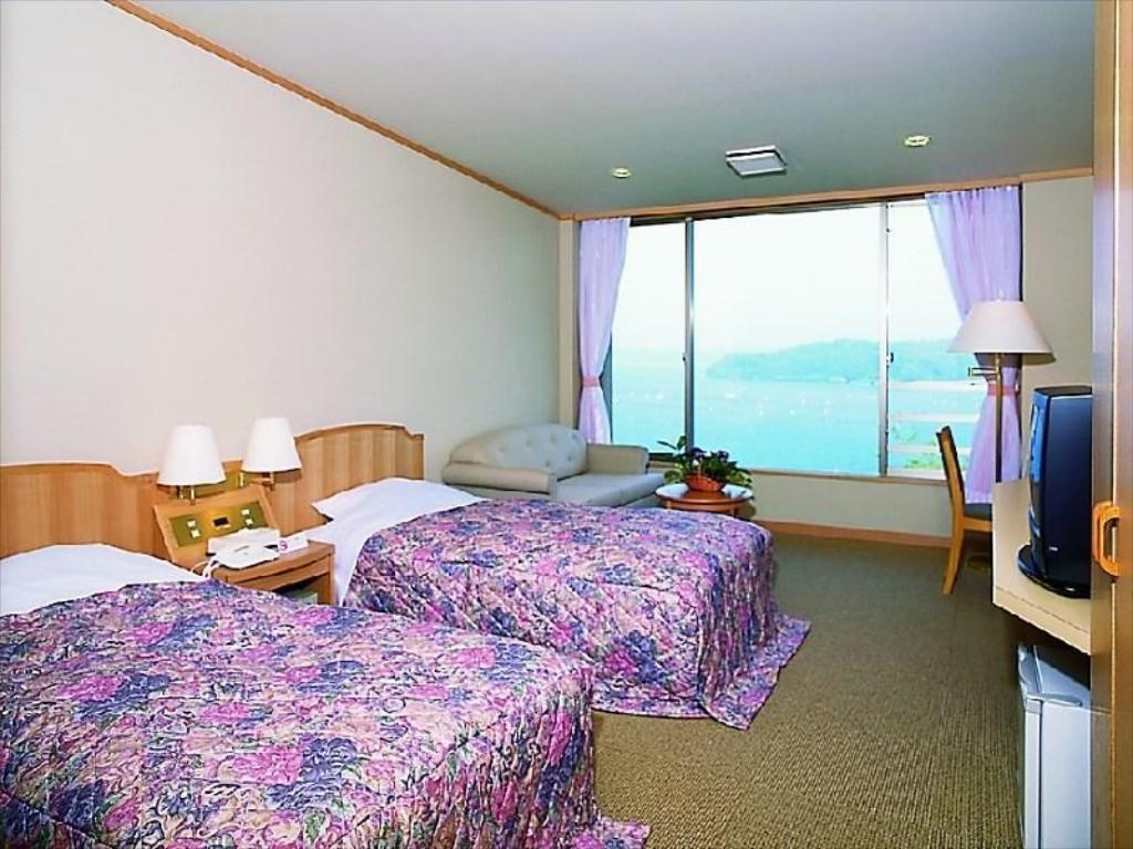 Bay View Twin Bed Room - Facilities Noto Omakidai