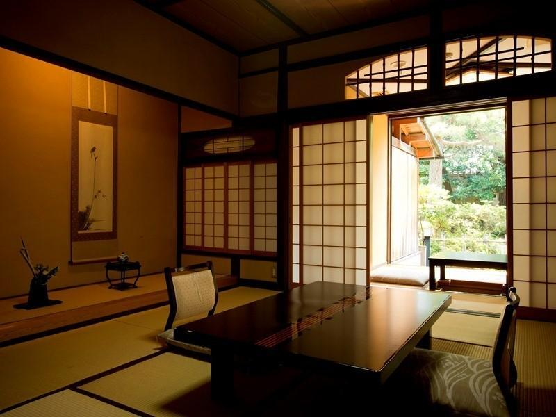 本馆 木造栋 松寿庵 和式房+源泉露天风吕 (Japanese-style Room with Open-air Hot Spring Bath (Shoujuan Type, Mokuzo Wing, Main Building))