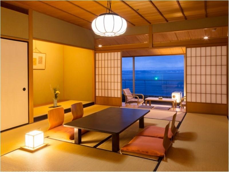 Japanese-style Room with Hiroen Space + Balcony (Fune-no-To Wing)