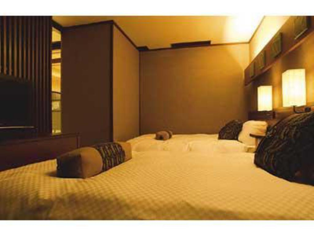 Japanese/Western-style Suite with Open-air Bath (2 Beds, Tensho-no-Yakata Wing) - Guestroom