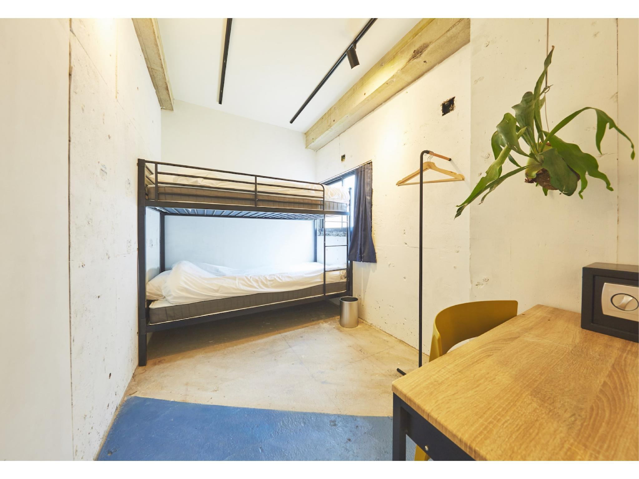 BUNK|8平米 (Bunk Bed Room)