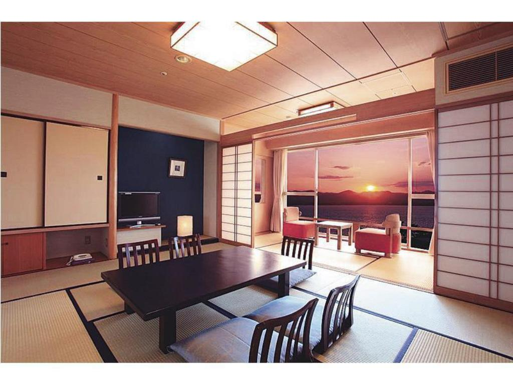 Japanese-style Room (Sky Court Wing) - Guestroom