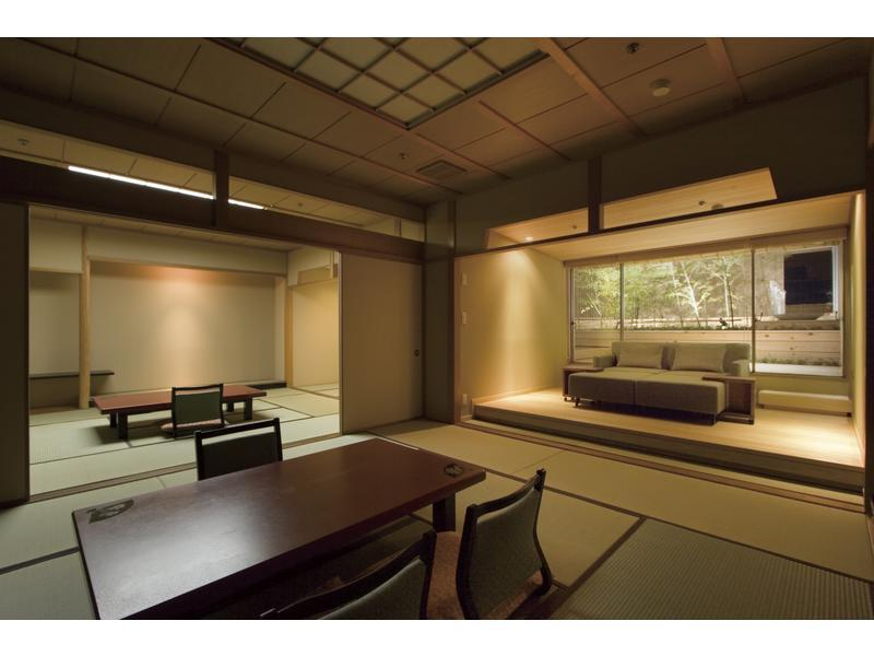 西館和室大部屋露天風呂付客室 (Large Japanese-style Room with Open-air Bath (West Wing))