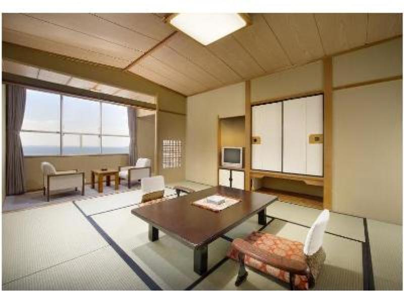 다다미 객실 (Japanese-style Room (Keitokaku Main Building or Chotokaku Wing))