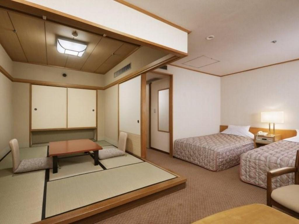 Japanese Western Style Room with Twin Bed - Guestroom
