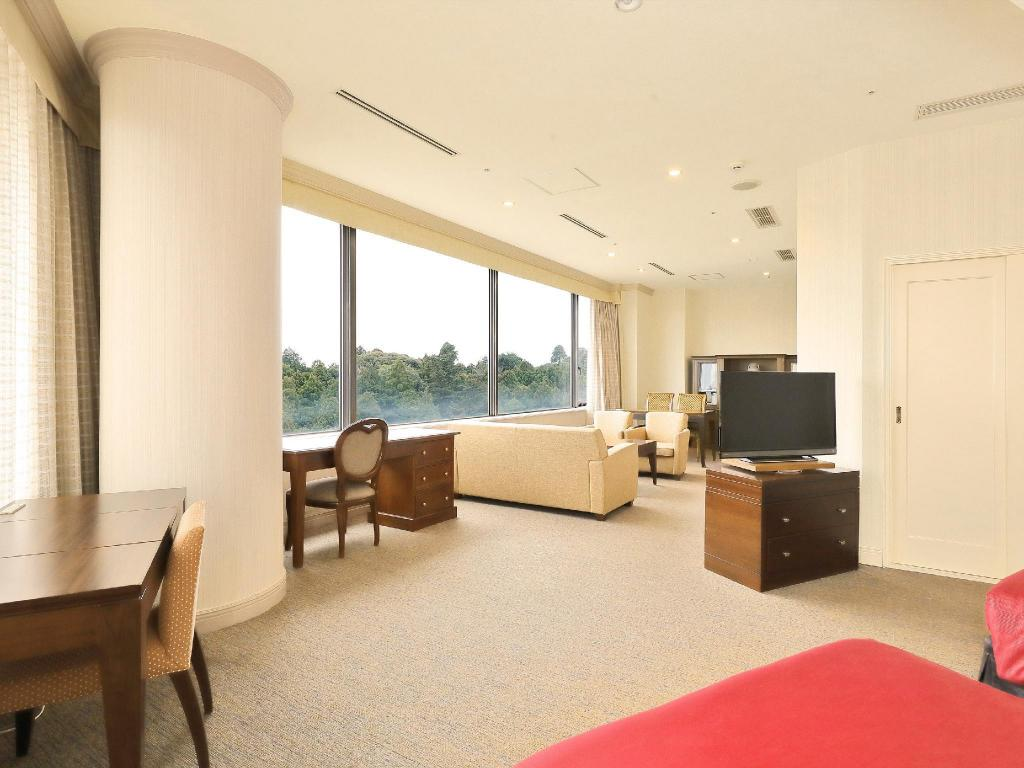 Luxury Suite - Guestroom