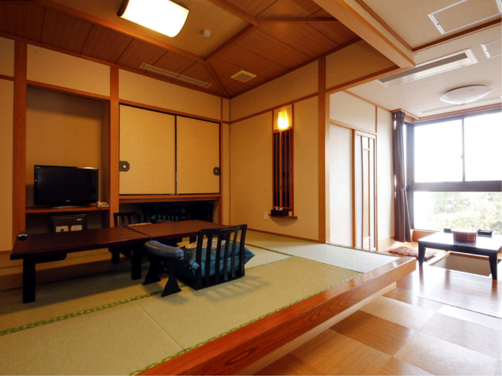 Special Japanese/Western-style Room with Open-air Bath (Barrier Free)