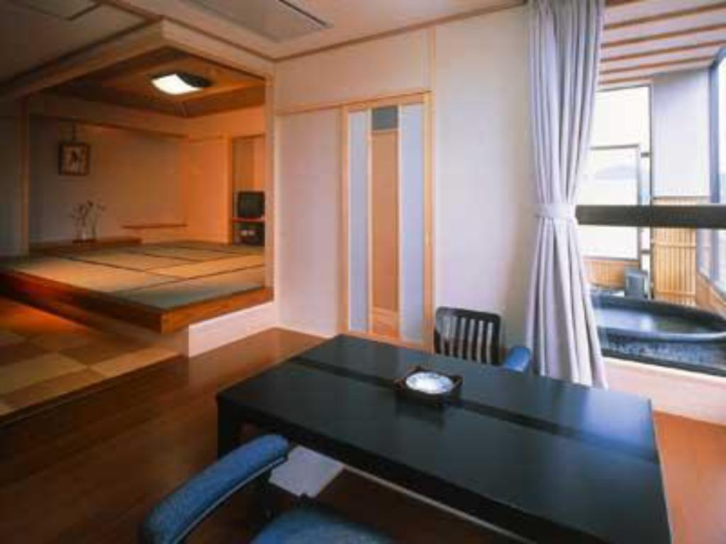 Special Japanese/Western-style Room with Open-air Bath (Barrier Free) - Guestroom