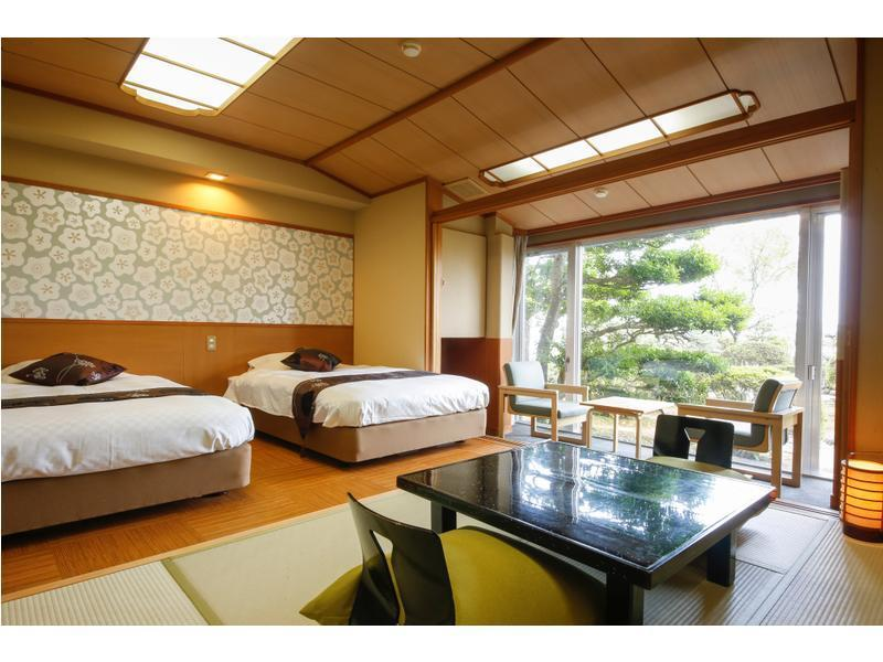Japanese-style Room or Japanese/Western-style Room or Western-style Room (South Wing)  (Japanese-style Room or Japanese/Western-style Room or Western-style Room (South Wing))