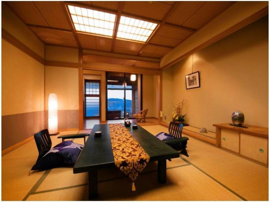 Japanese-style Room with Open-air Bath (Hanaikada Wing) - Guestroom Toba View Hotel Hanashinju