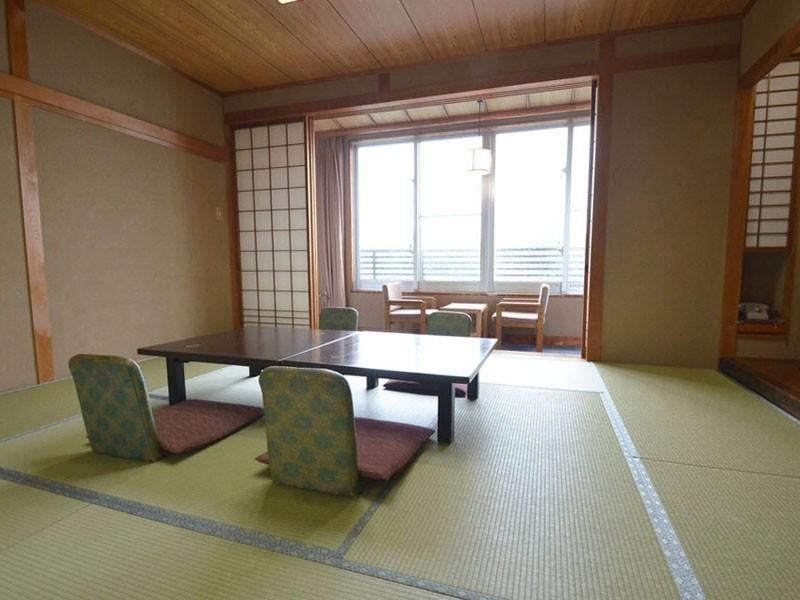 Japanese-style Room (Old Building) *Has toilet, no bath in room