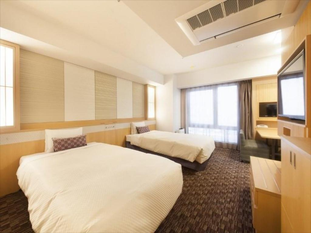 Deluxe Room (2 Person Use: 120cm Beds, 3-4 Person Use: 80cm Beds) - Guestroom