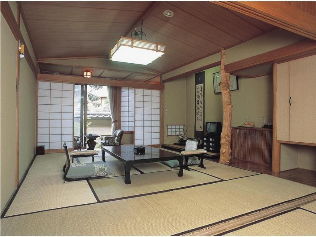 Japanese-style Room (Main Building Kaya-no-Yakata) - Guestroom