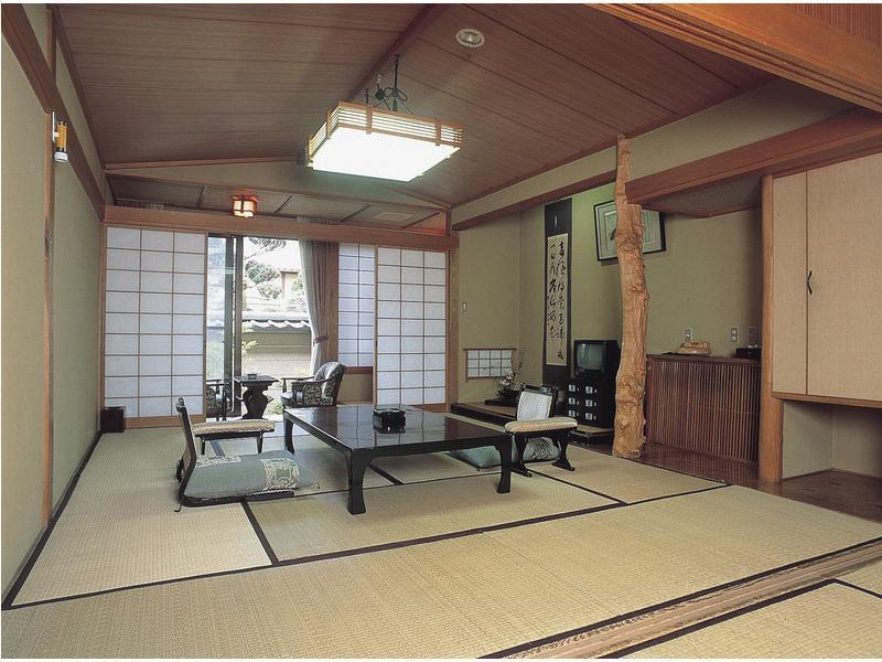 和室 (Japanese-style Room (Main Building Kaya-no-Yakata))