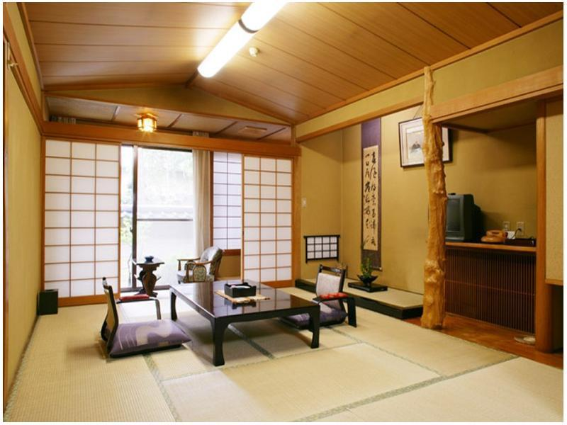 和室10畳の間 (Japanese-style Room (Main Building Kaya-no-Yakata))