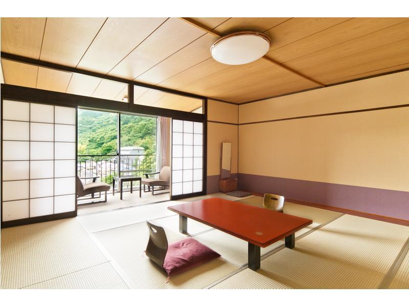森之館 和式房 (Japanese-style Room (Mori-no-Yakata Wing))