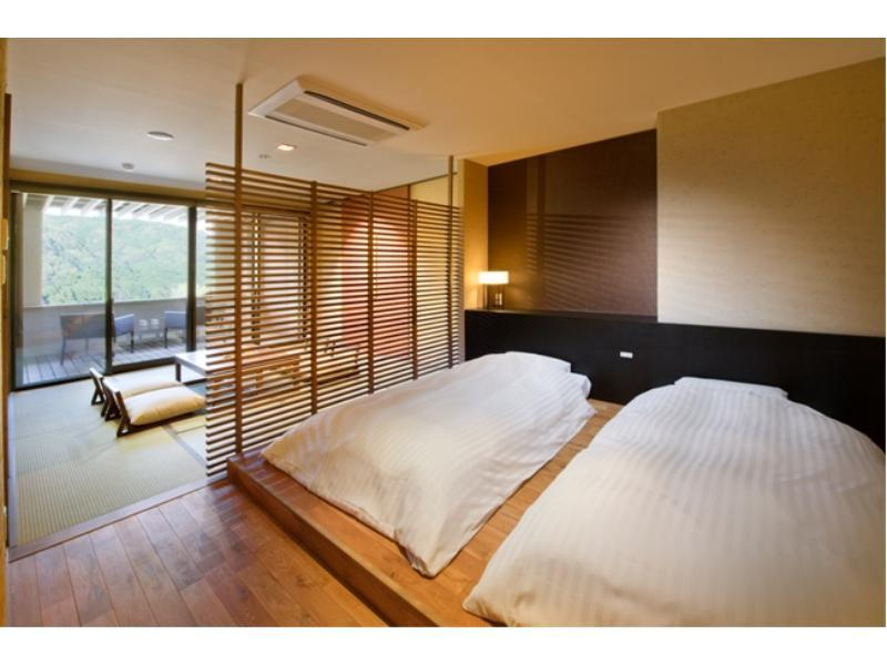 和洋式房 (Japanese/Western-style Suite with Open-air Hot Spring Bath (2 Beds, Kaze-no-Yakata Wing))