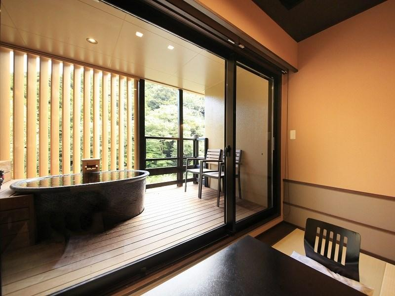 다다미 객실(노천탕)(2016년 리뉴얼) (Japanese-style Room with Open-air Bath *Refurbished 2016)