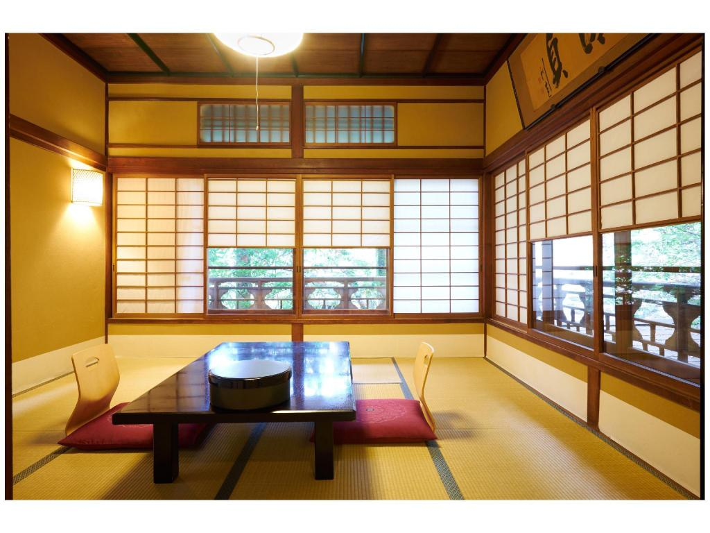 Japanese-style Room with Indoor Hot Spring Bath - Guestroom