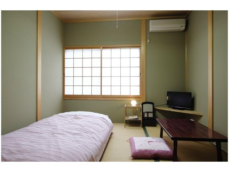 다다미 객실(AOI) *객실내 욕실, 화장실 없음 (Japanese-style Room (Aoi Type) *No bath or toilet in room)