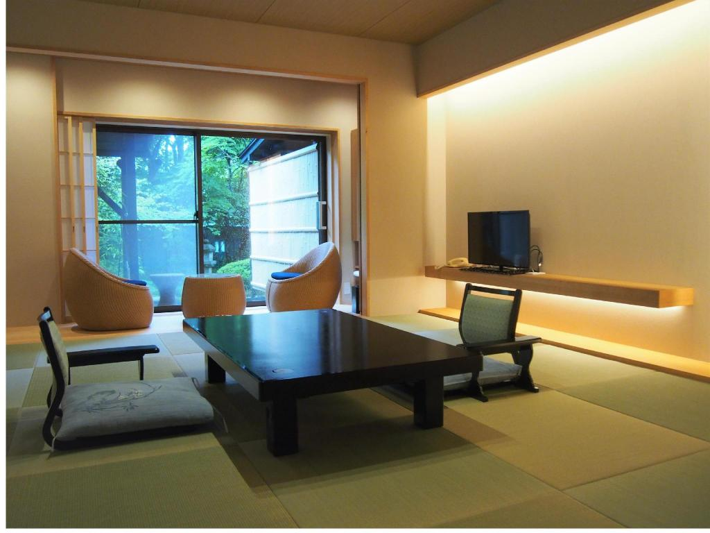 Japanese-style Room with Open-air Bath + Dining Room - Guestroom The Hakone Takuminoyado Yoshimatsu