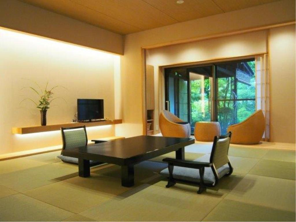 Japanese-style Room with Open-air Bath + Dining Room - Guestroom