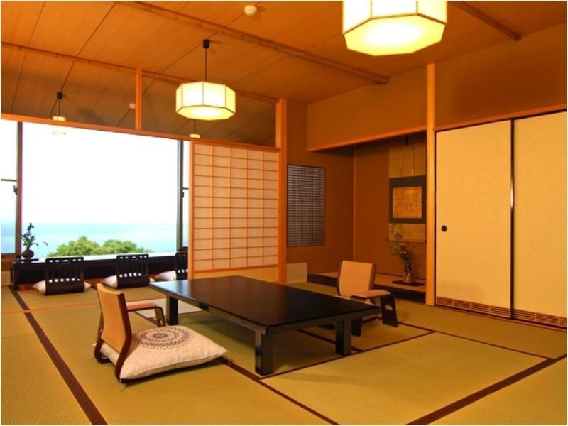 和式房 (Japanese-style Room (South Annex))