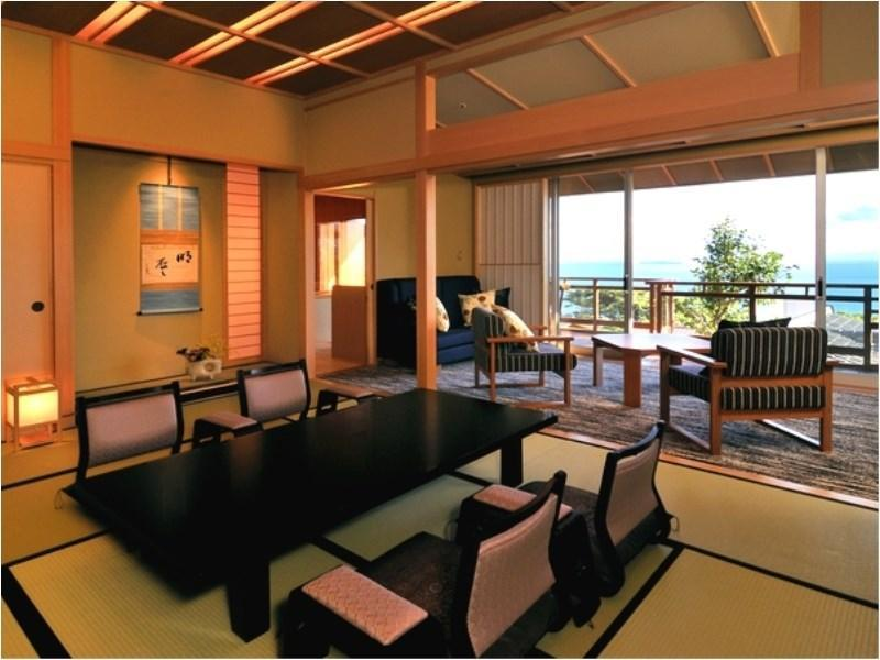 Deluxe Japanese/Western-style Room (Japanese-style Room + Twin Room, Top Floor)