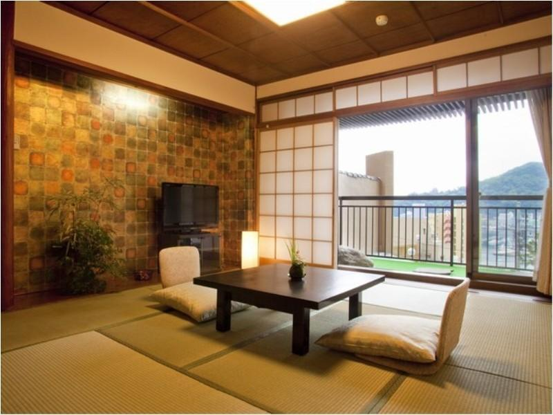 Compact Japanese-style Room