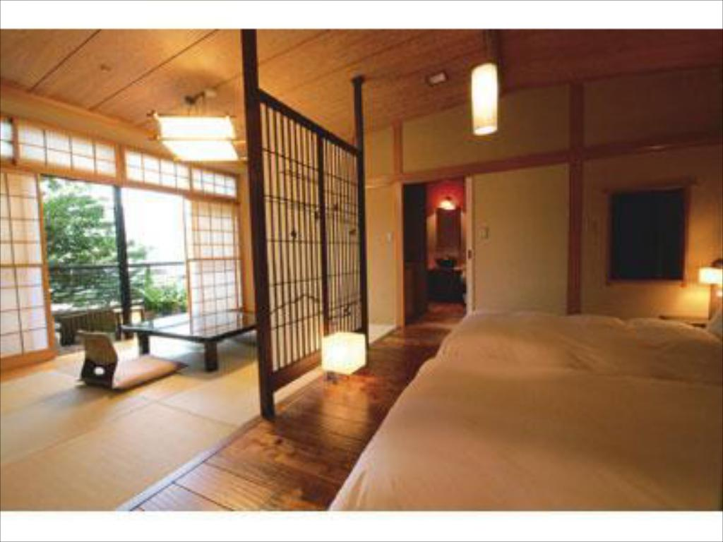 Japanese-style Room with Semi Open-air Bath (2 Beds, Main Building) - Guestroom