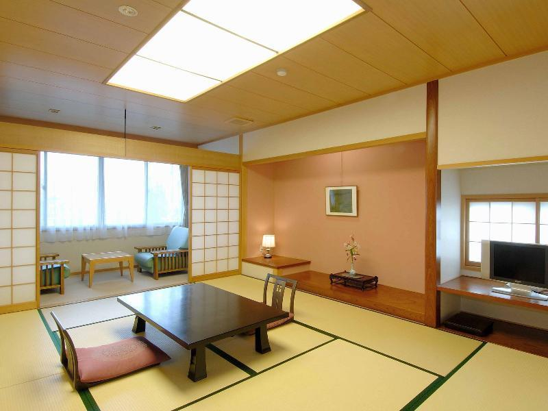 Detached Japanese-style Room with Open-air Bath (West Wing)